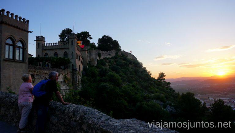 Atardecer desde el castillo de Xativa. Vacaciones en Cullera: ahorrar en alojamiento en temporada alta, gastronomía, excursiones.