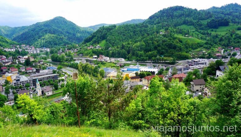 Vistas desde la iglesia de San Antón. Qué ver y hacer en Idrija Eslovenia #EsloveniaJuntos