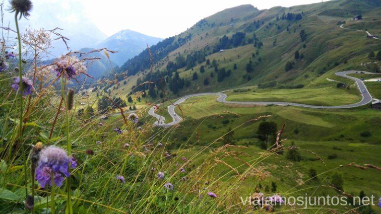 Curvas en las carreteras de Italia. #ItaliaJuntos Los Dolomitas Italy montanas mountains