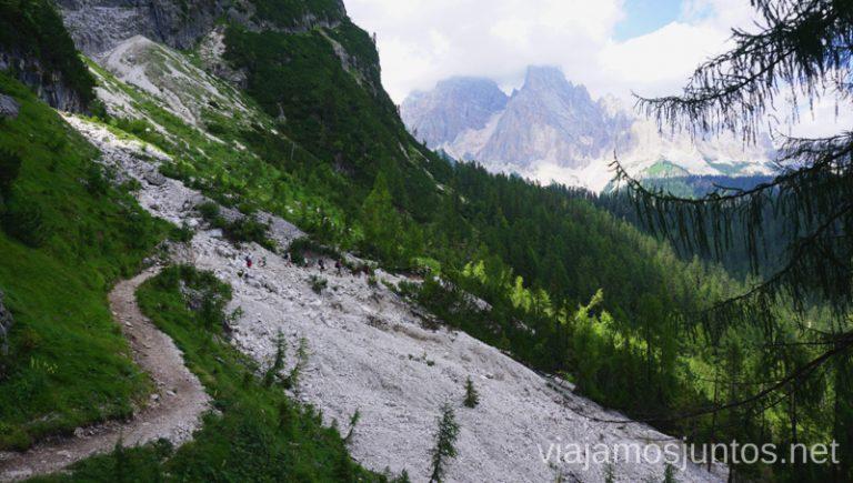 Casi el último tramo para llegar al lago di Sorapis. Italia #ItaliaJuntos Los Dolomitas Italy ruta de senderismo