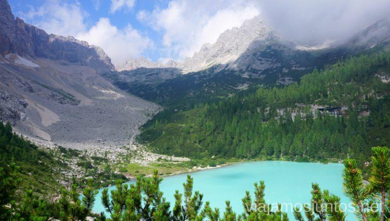 Lago Sorapis desde las alturas. #ItaliaJuntos Norte de Italia Los Dolomitas