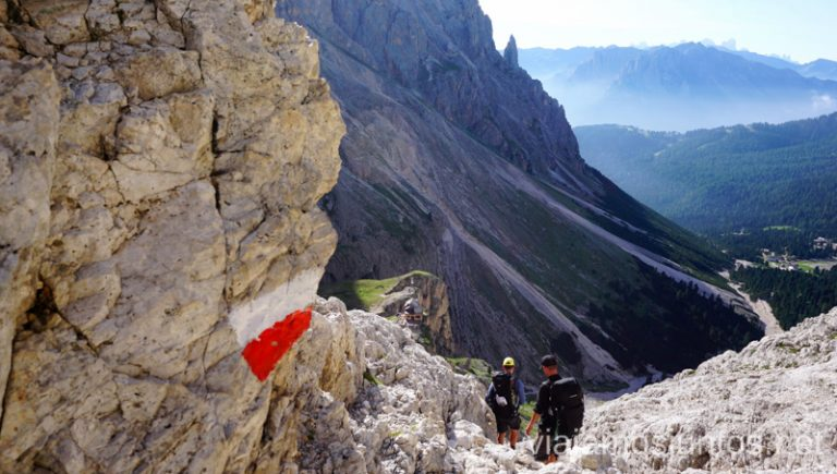 Bajada desde el refugio Re Alberto I hacia el refugio Vajolet. Italia #ItaliaJuntos Los Dolomitas