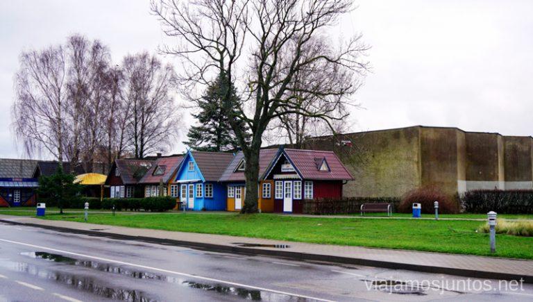 Calles de Nida, Neringa, istmo de Curlandia. Viajar a Países Bálticos en invierno.