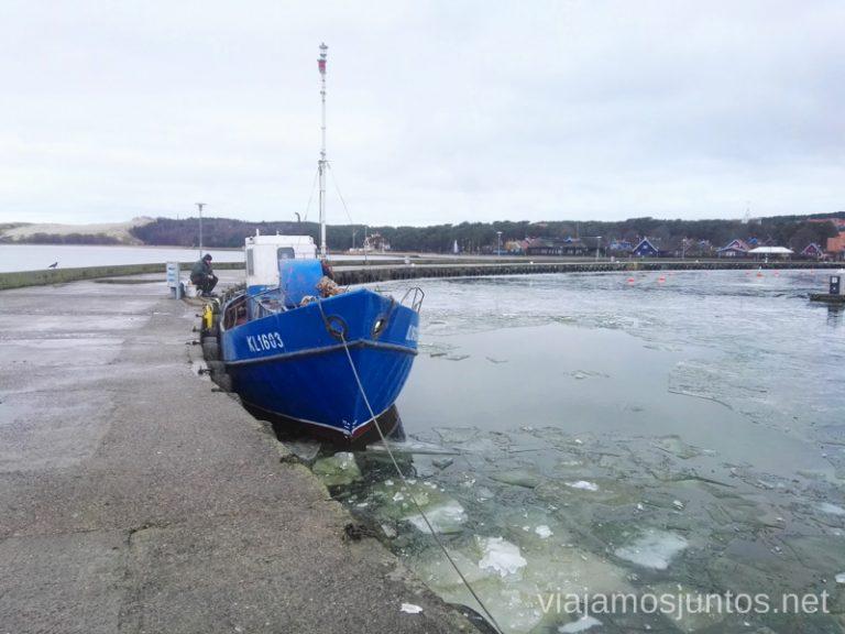 Un pescador. Viajar a Países Bálticos en invierno.