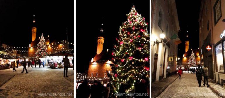 Plaza del Ayuntamiento en Navidad. Viajar a Países Bálticos en invierno.