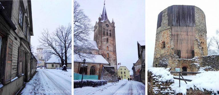 Cesis nevado en invierno.Viajar a Países Bálticos en invierno.