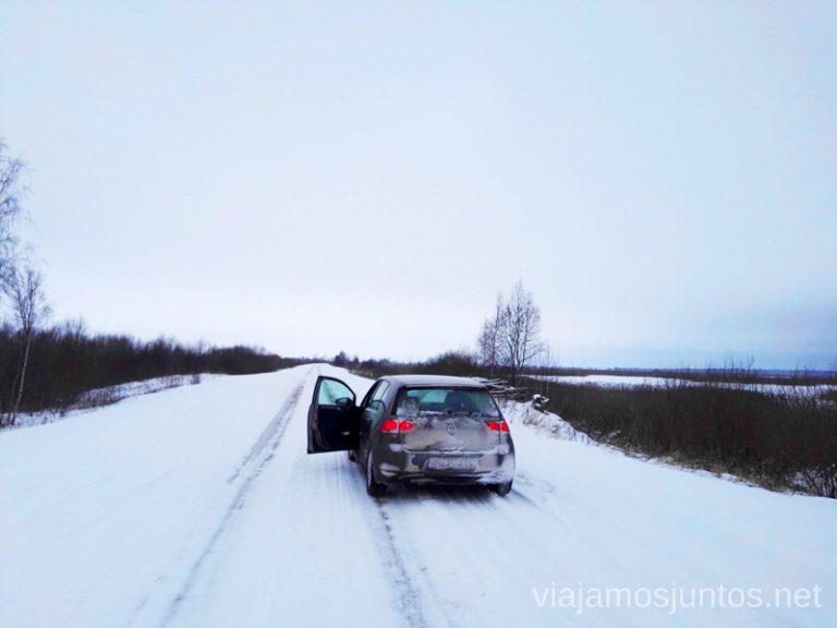 Intentando llegar al lago Lubans en Letonia. Viajar a Países Bálticos en invierno.