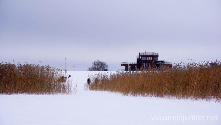 Latgale - la región de los lagos de Letonia en invierno. Viajar a Países Bálticos en invierno.