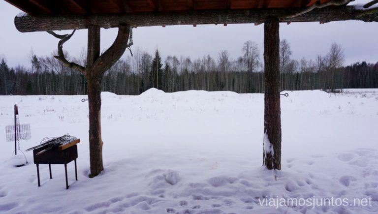 Porche de nuestra casa Diksala, Letonia.