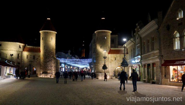 Puerta Viru, una de las muchas de las murallas de Tallin. Viajar a Países Bálticos en invierno.