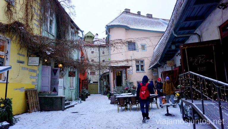 Rincón de los artesanos en Tallin. Viajar a Países Bálticos en invierno.