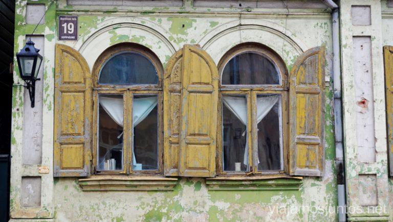 Ventas con encanto en un edificio antiguo. Viajar a Países Bálticos en invierno. Letonia