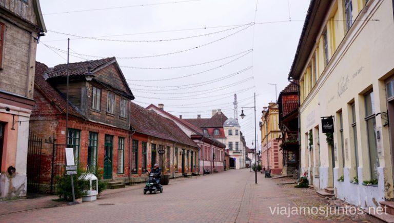 Una de las calles principales. Viajar a Países Bálticos en invierno. Letonia