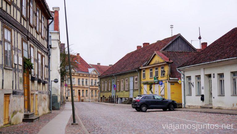 Calles de Kuldiga. Viajar a Países Bálticos en invierno. Letonia