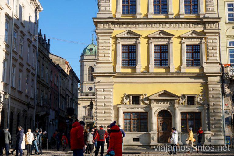 Palacio Bandinelly y Correos. Qué ver en Lviv. Ucrania.