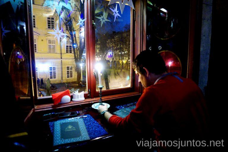 Mesa con vistas en el Restaurante más caro de Galicia, Leópolis.