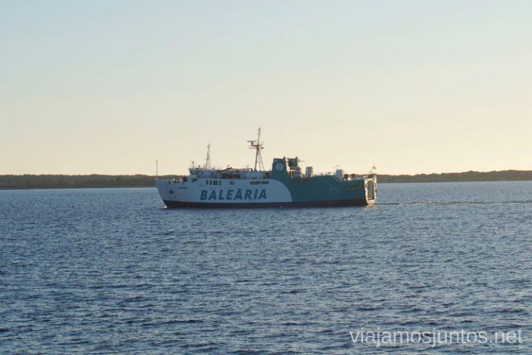 Ferry entre Ibiza y Formentera de Baleària. Un fin de semana en las Islas Baleares