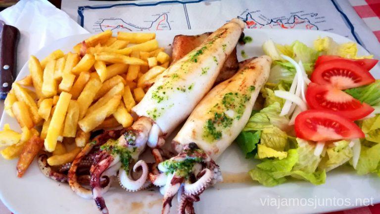 Un plato de calamares en el restaurante Pin Por en San Francisco Javier. Un fin de semana en las Islas Baleares