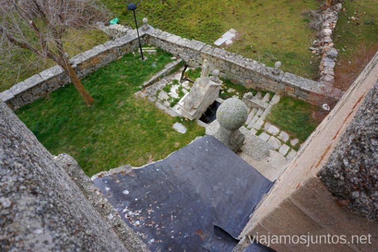 Fuente de la ermita de la Virgen de las Fuentes visto desde el campanario. Sierra de Ávila.