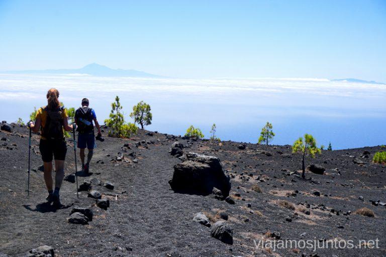 El Teide (Tenerife) en el horizonte de la Ruta de los Volcanes.