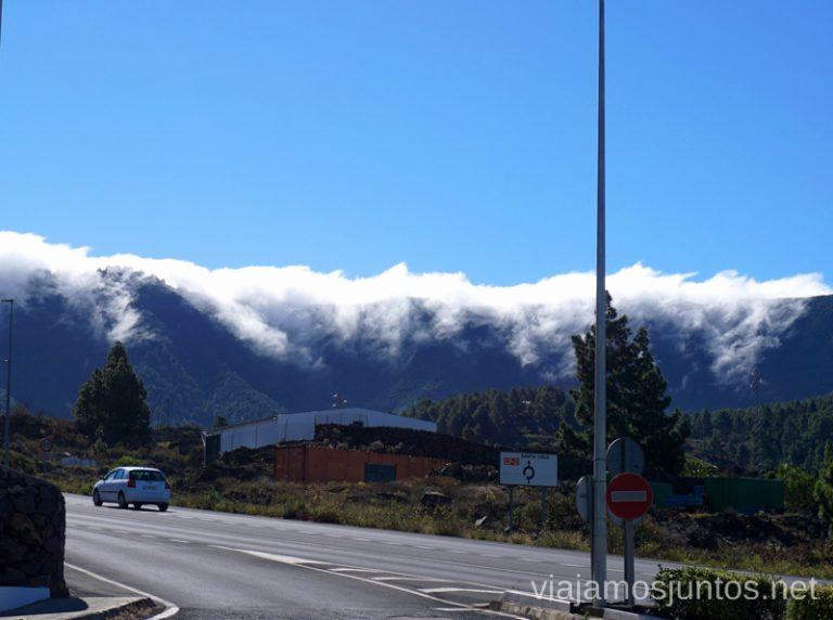 Carretera LP3 y las nubes colándose.