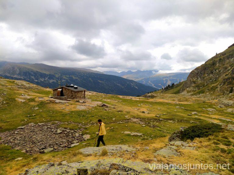 Refugio de Cabana Sorda. Ruta del Estany de Querol, Andorra.