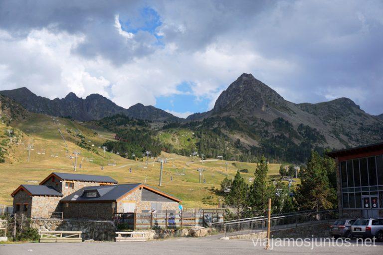 Aparcamiento Grau Roig. Ruta del estany y refugio de Montmalús, Andorra.