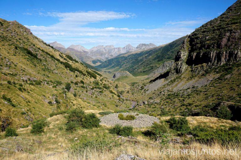 Túmulo del Salto. Rutas de senderismo en el Valle de Guarrinza, Valle de Hecho, Huesca, Jacetania, Aragón.