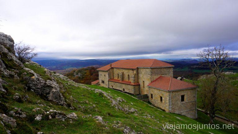 Ermita de Nuestra Señora de Oro. Rutas de senderismo en el Parque Natural de Gorbeia (Gorbea).
