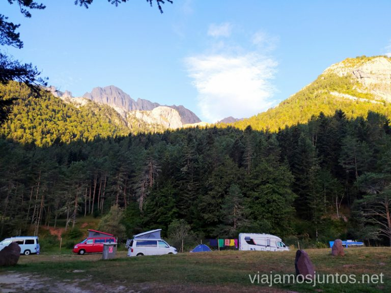 Camping Selva de Oza, a unos 10 kms de la Senda de los Ganchos. Qué ver y hacer en el Valle de Hecho (Echo), Jacetania, Huesca, Aragón
