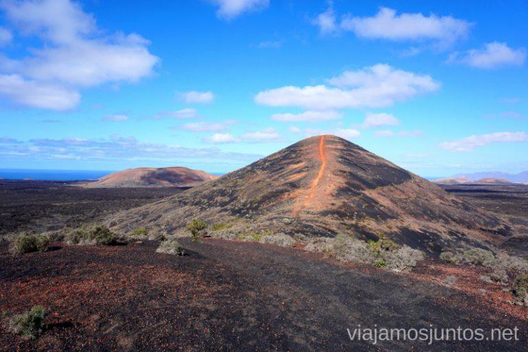 Último empujón hacia la cima del volcán de Santa Catalina... Bueno, también queda una bajadita...
