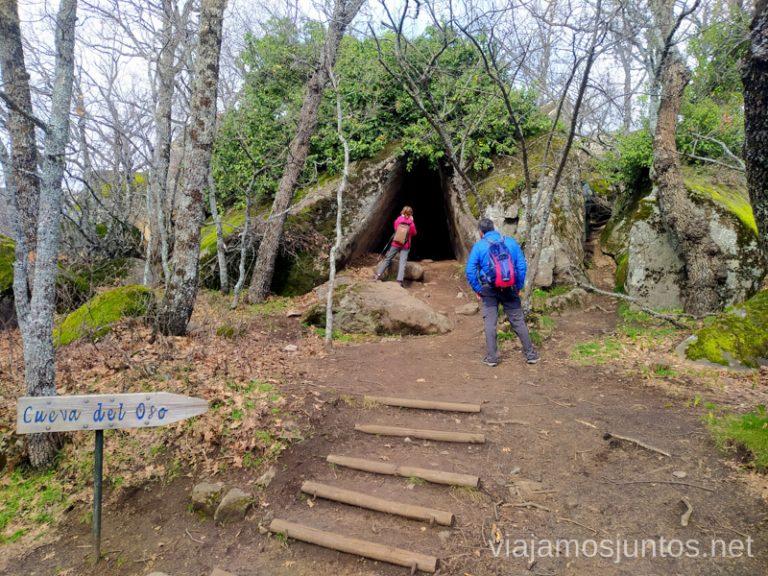 Desvío a la Cueva del Oso en la ruta de las Machotas desde San Lorenzo de El Escorial.
