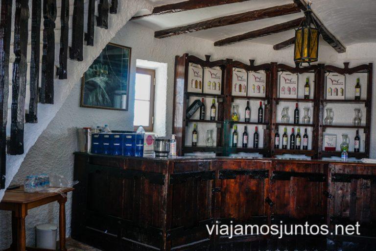El interior del Molino Manchego en Coovival. Cuevas y bodegas de la ruta del vino de Valdepeñas, Castilla-La Mancha.