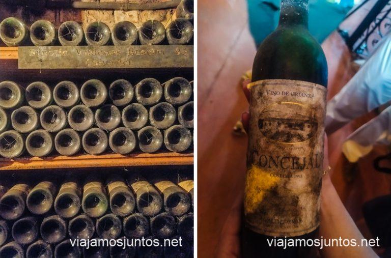 Una de las botellas más antiguas de El Consejal que tienen en la Cooperativa Vinícola Valdepeñas.