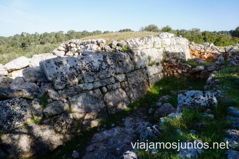 Una de las paredes del naviforme La Cueva del Moro.
