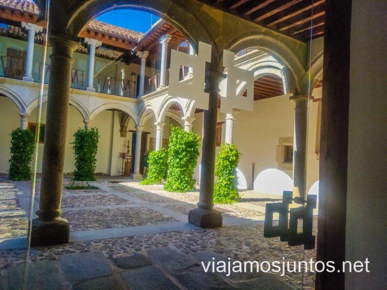 El acogedor patio del Palacio de los Verdugo, Ávila.