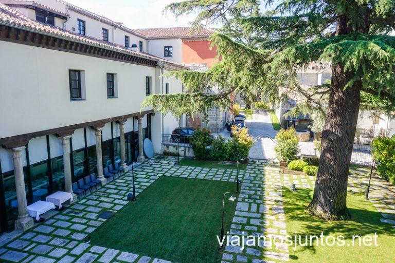 Vistas al jardín del hotel Sofraga desde la muralla de Ávila.