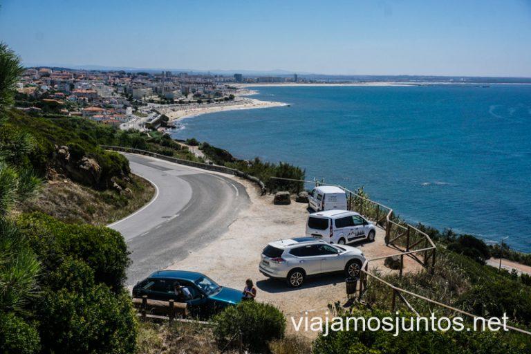 Mirador del Cabo Mondego: vistas a Figueiras da Foz y el parking del mirador.