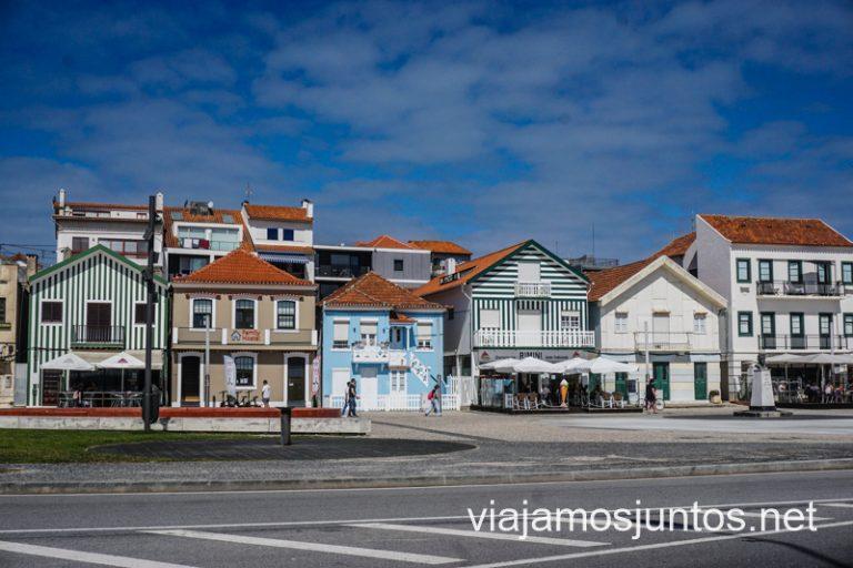 Casas típicas en Costa Nova. Nuestra ruta por el Norte de Portugal.