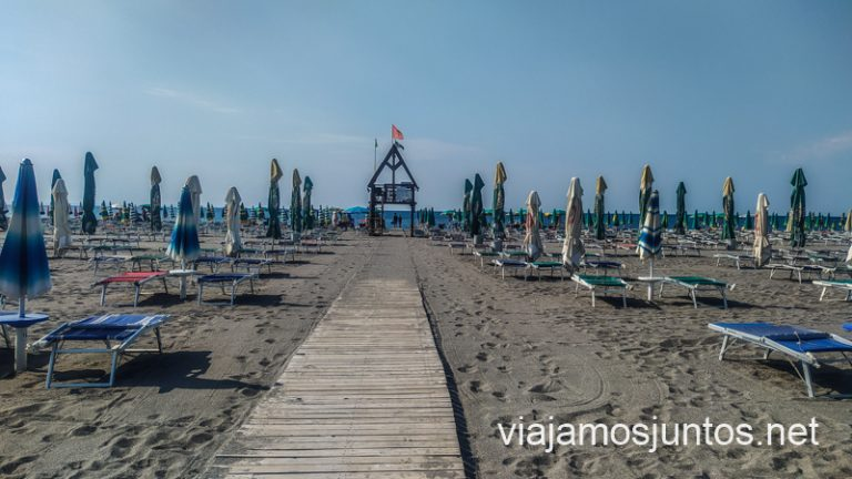 Velipolë, costa del mar Adriático, en la frontera con Montenegro.