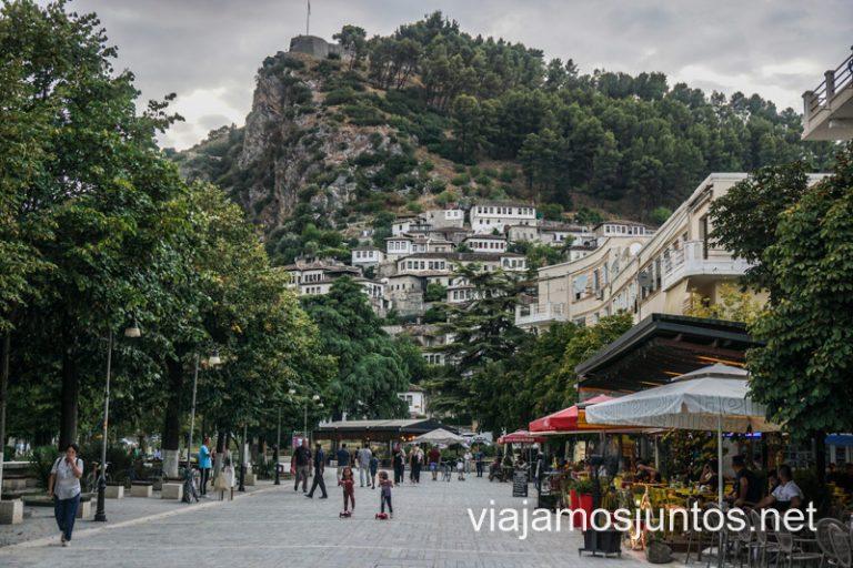 Berat. Ruta por Albania por libre en transporte público (15 días).