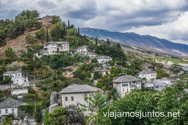Empieza nuestra ruta por Albania de 15 día: por libre y en transporte público.