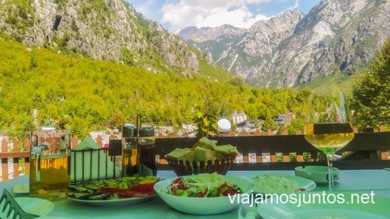 Albania es muy rica, si sabes qué pedir en cada zona.