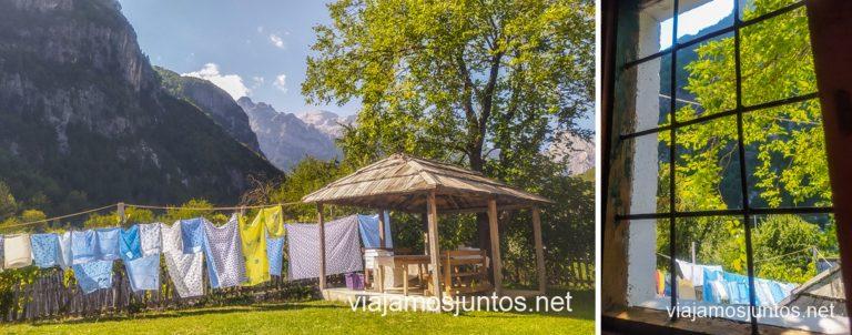 Nuestra casita en Theth. Ruta por Albania por libre en transporte público (15 días).